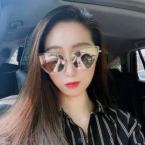 ✨UV Clear Frame Pink Mirror Cat Eye Sunglasses